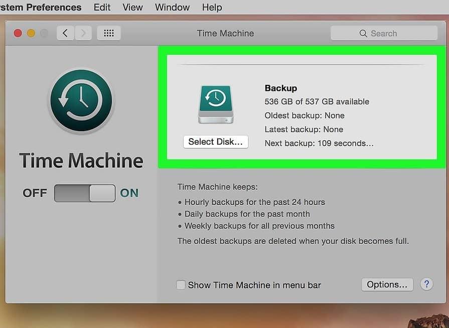 O Backup pode ser feito tanto pelo Time Machine da própria Apple, como transferindo os arquivos que deseja em um disco externo